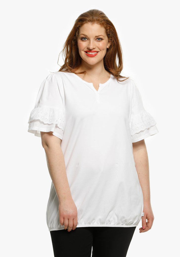 Witte T-shirt met broderie anglaise