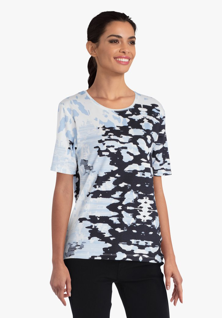 Witte T-shirt met navy-blauwe print