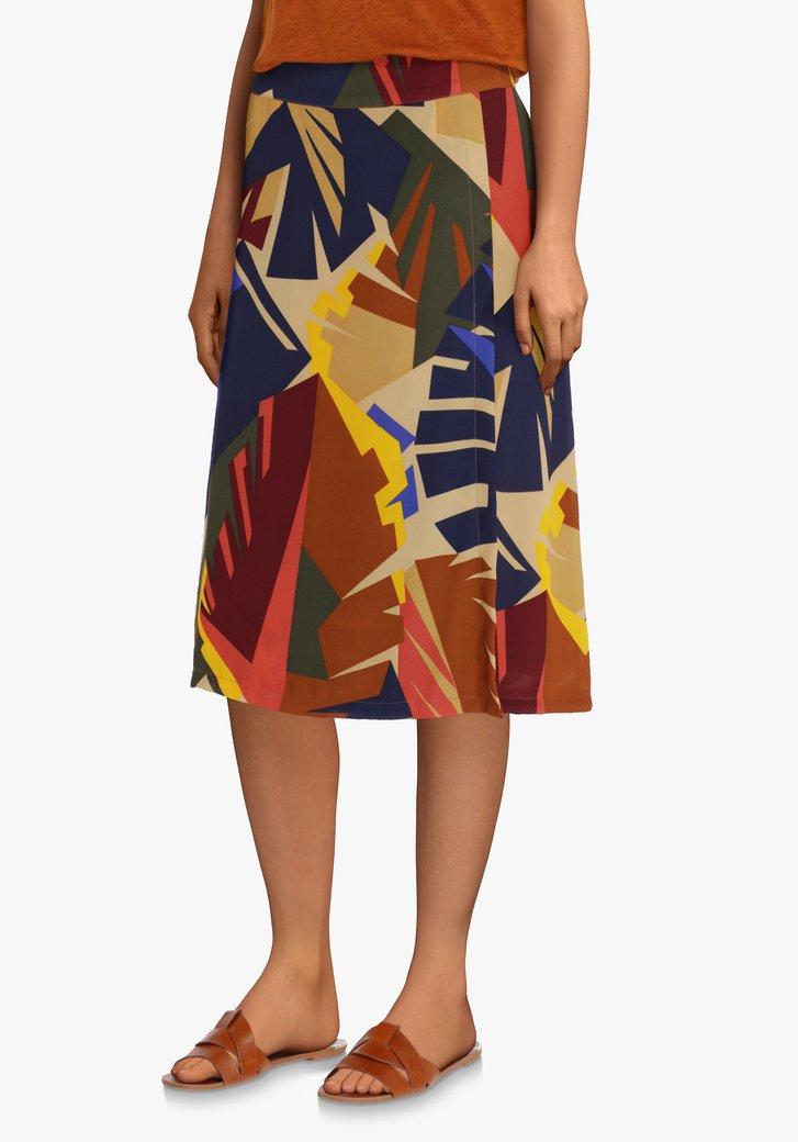 Zandbruine rok met gekleurde bladerprint