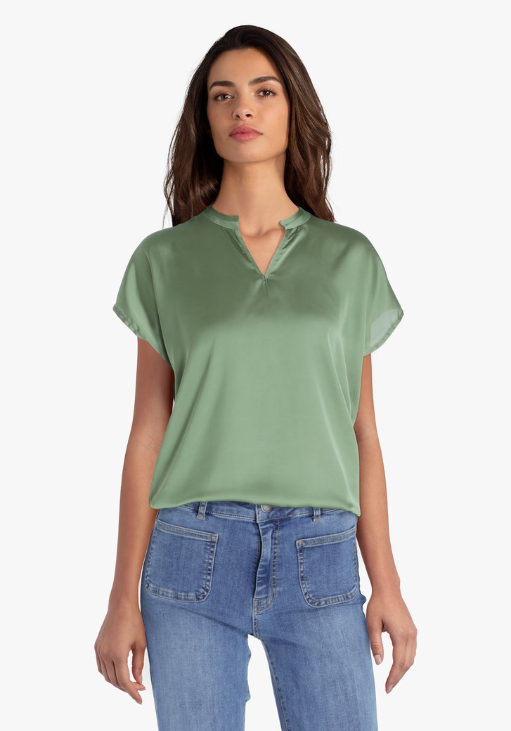 Zeegroene blouse met V-hals