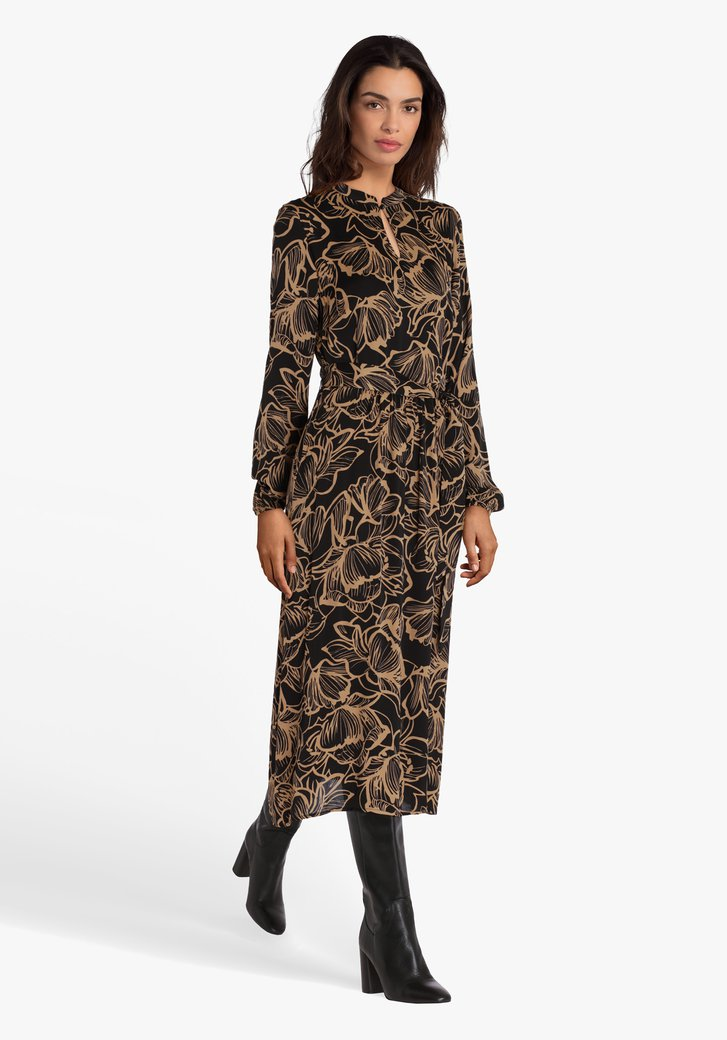 Zwart kleed met bruine bloemenprint