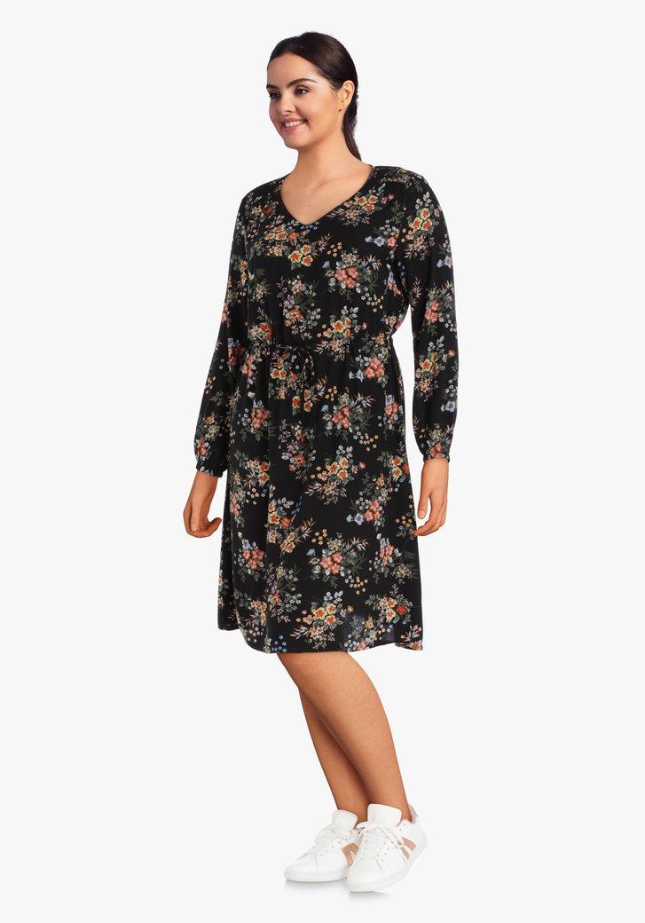 Zwart kleed met kleine bloemenprint