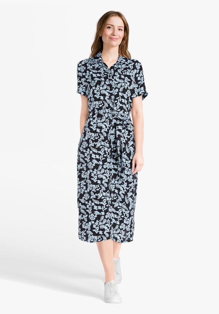 Zwart kleed met lichtblauwe print