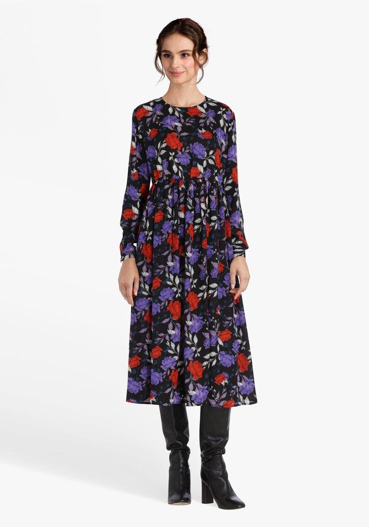 Zwart kleed met paars-rode bloemenprint