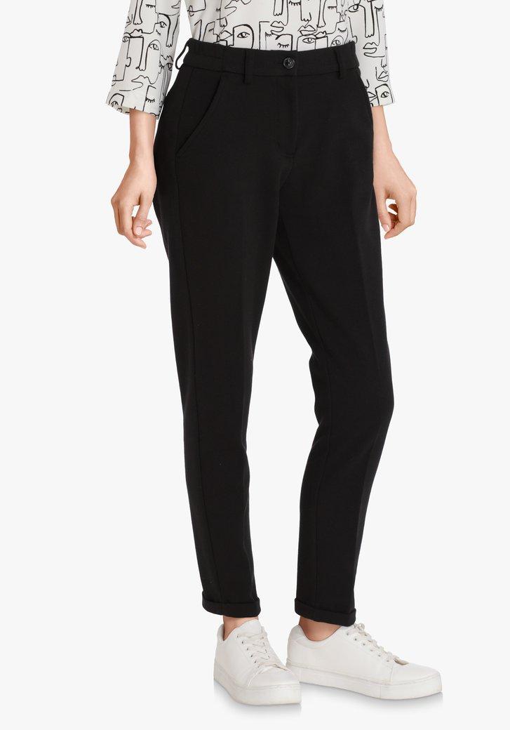 Zwarte broek– slim fit