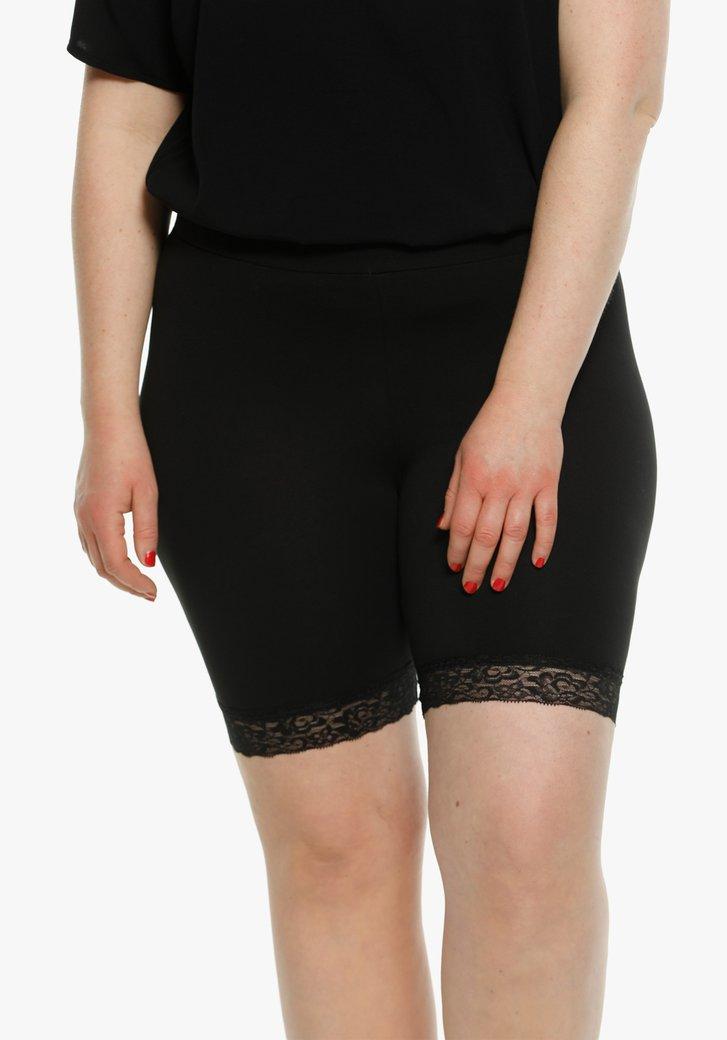Zwarte short met kanten detail