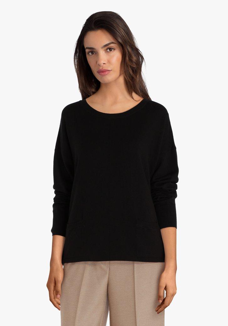 Zwarte trui met zakjes